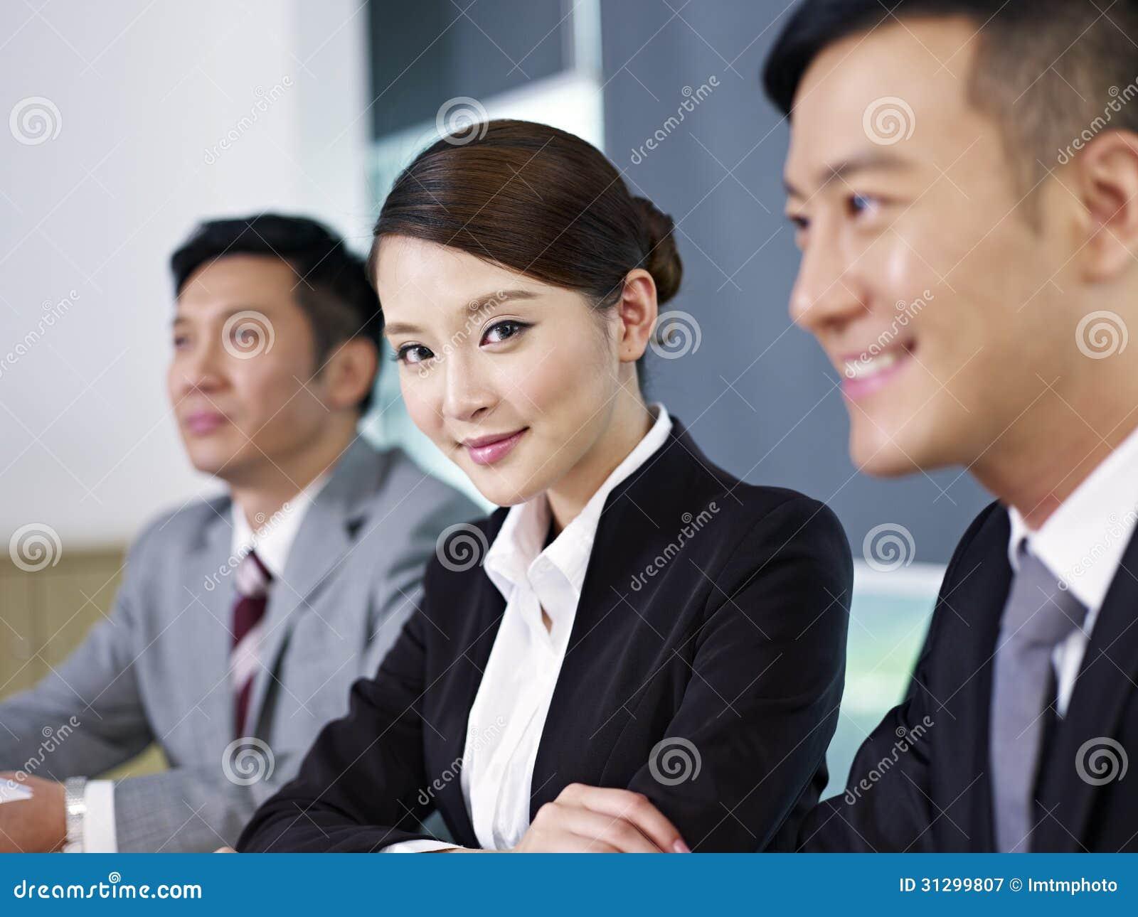 Aziatische bedrijfsmensen