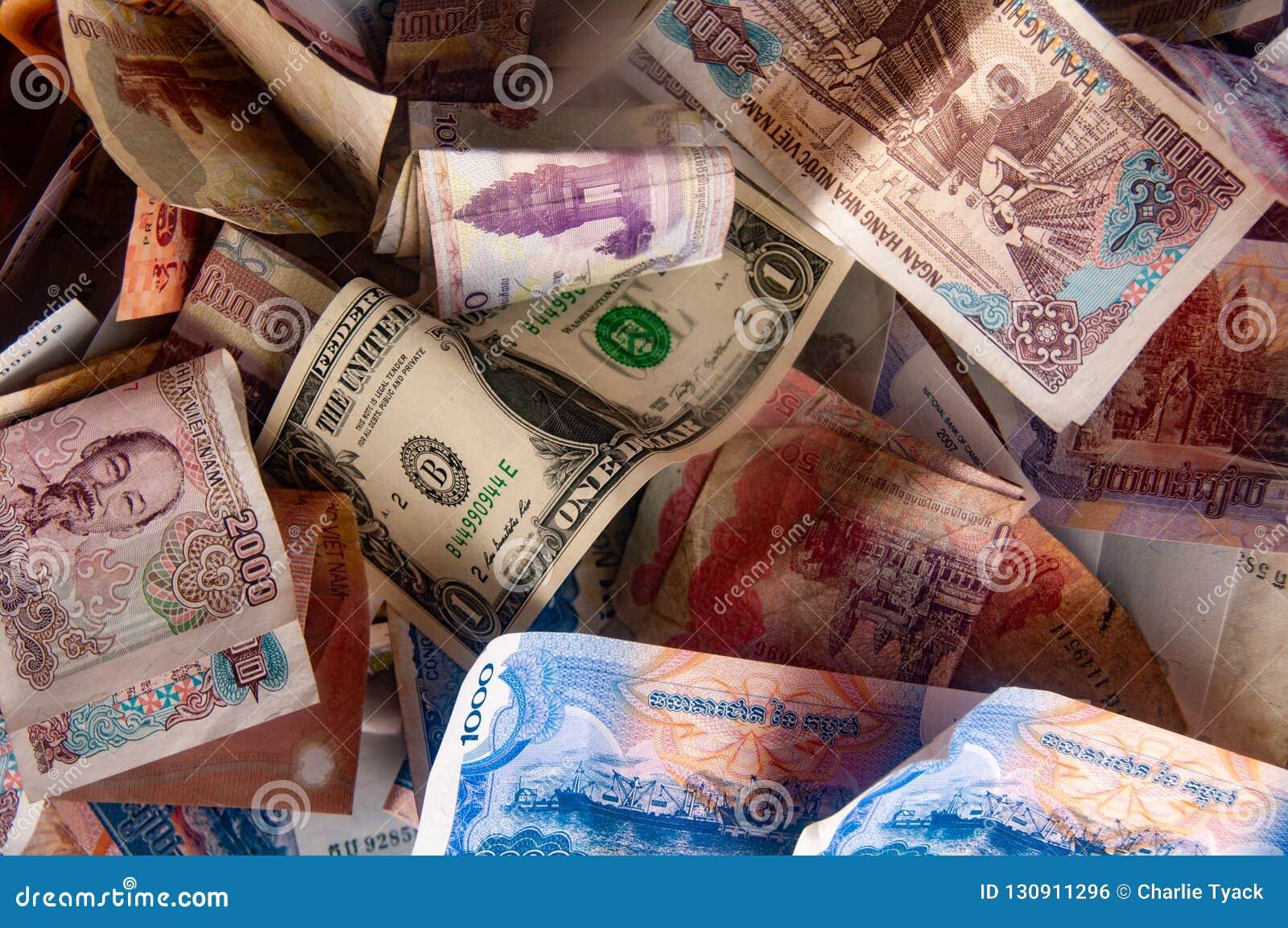 Aziatische Munt - Cambodjaanse riel, Vietnamese dong en Amerikaanse dollarnota s
