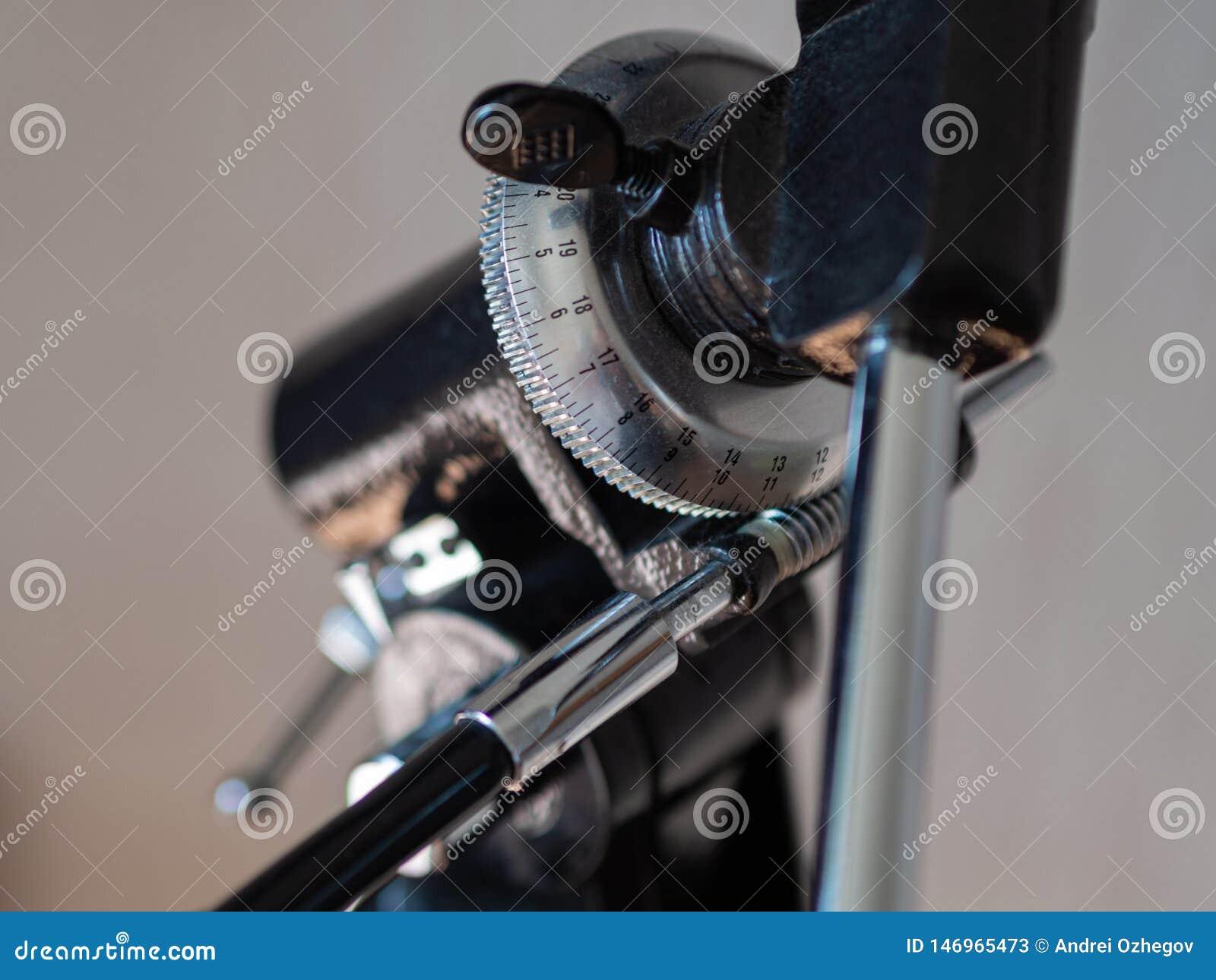 Azimuth mount closeup