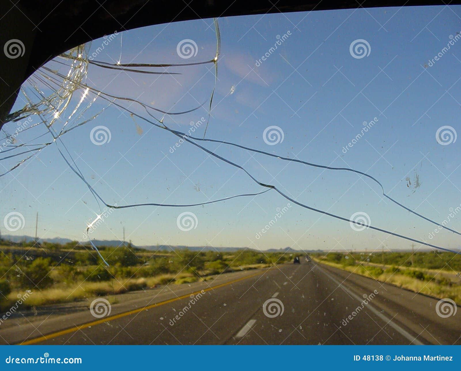 Azionamento della strada principale del deserto
