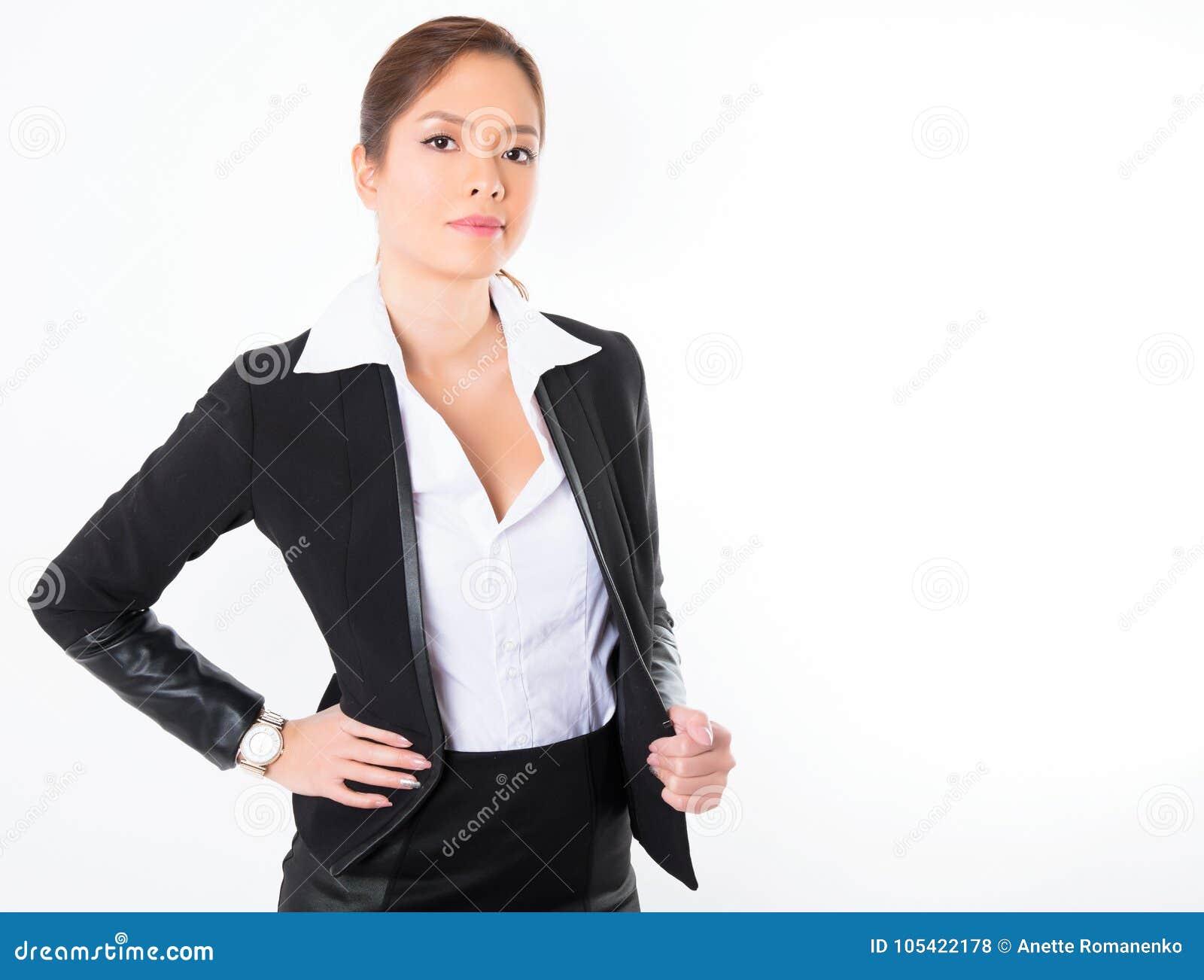 Azjatycka biznesowa kobieta na białym tle z kopii przestrzenią