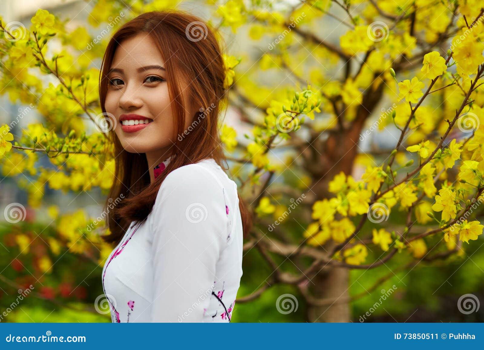 azjatyckie dziewczyny na randki w Melbourne zalety randki z młodszą kobietą