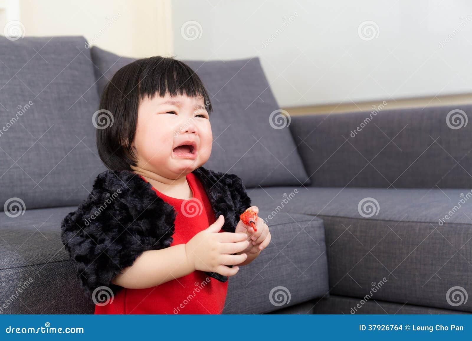 Azjatycki dziewczynka płacz