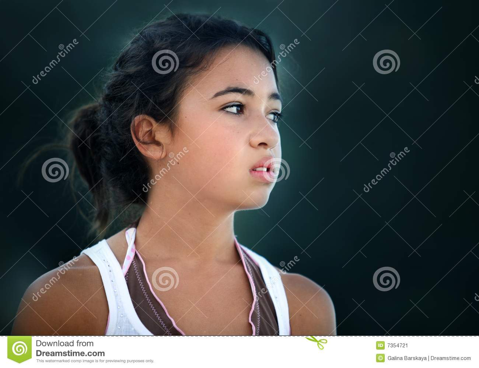 Azjatykciej dziewczyny nastoletni nieszczęśliwy