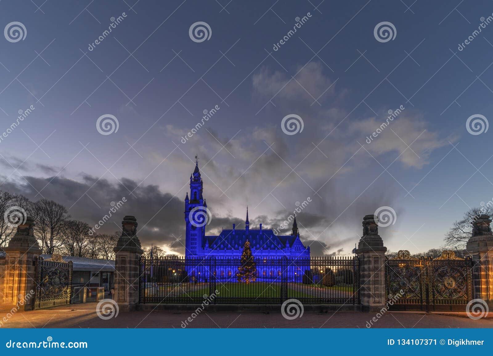 Azul para el día 2018 de los derechos humanos