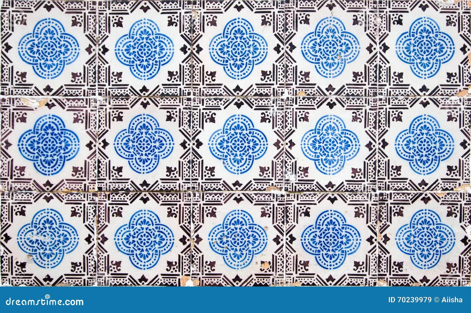 Azulejos decorativos portugueses das telhas foto de stock for Azulejos decorativos