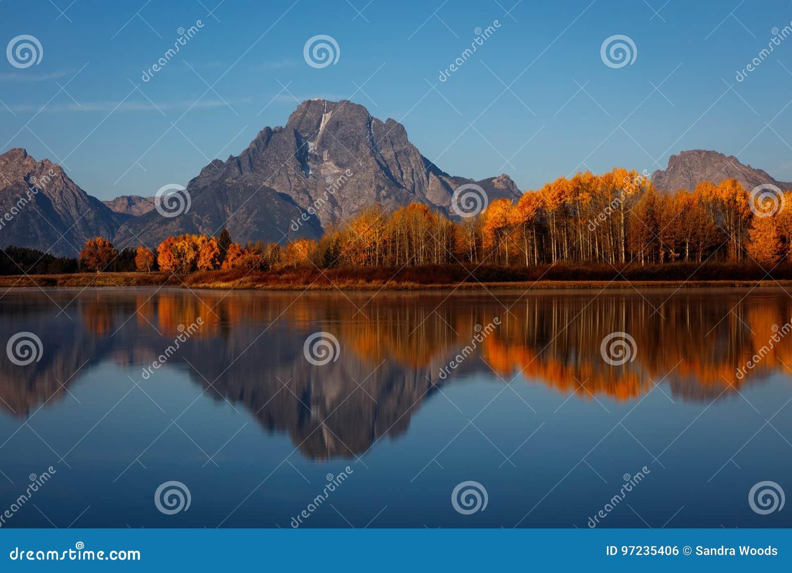 Bâti Moran Autumn Sunrise à la courbure d Oxbow