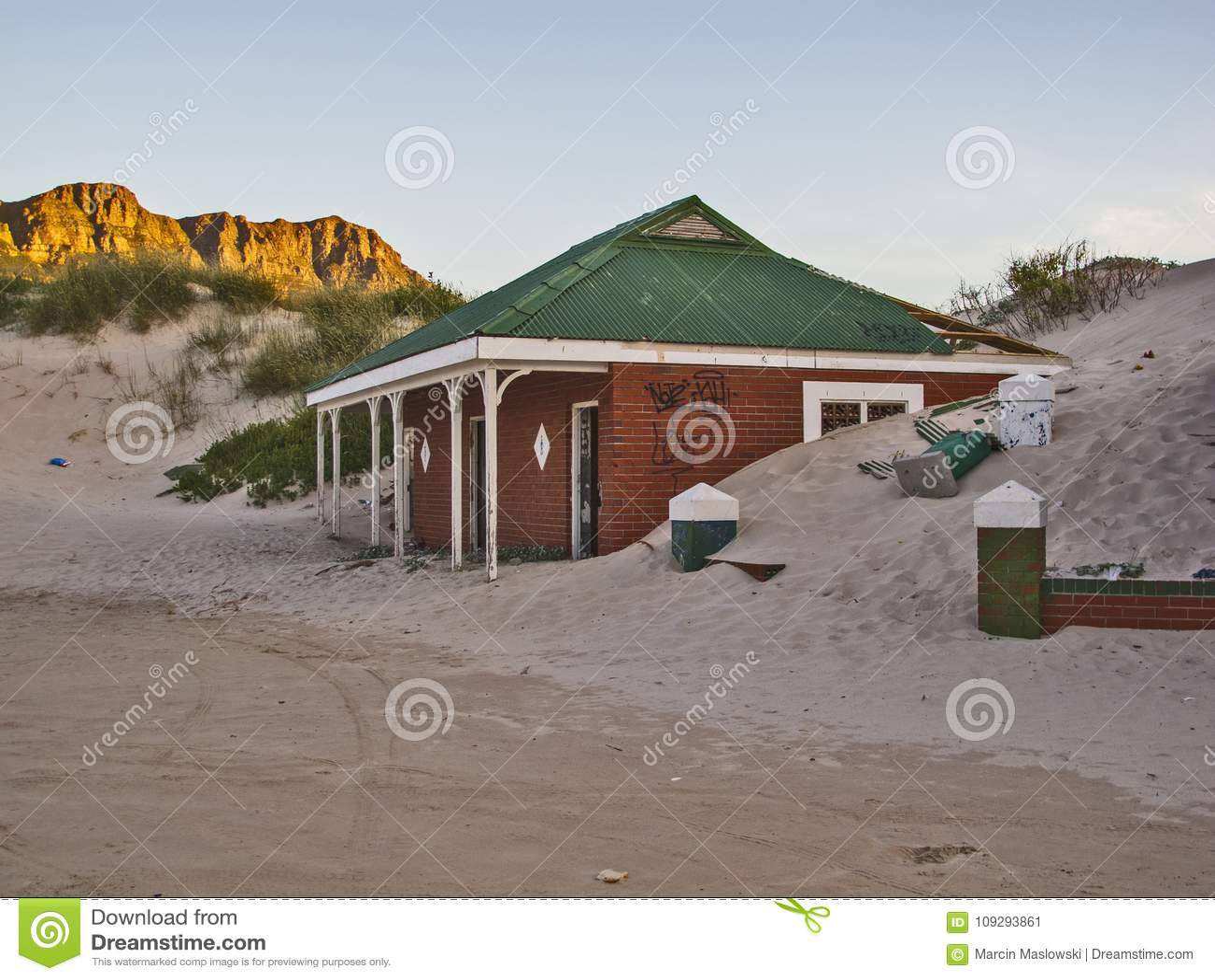Bâtiment abandonné dans la baie de Hout, Cape Town, Afrique du Sud