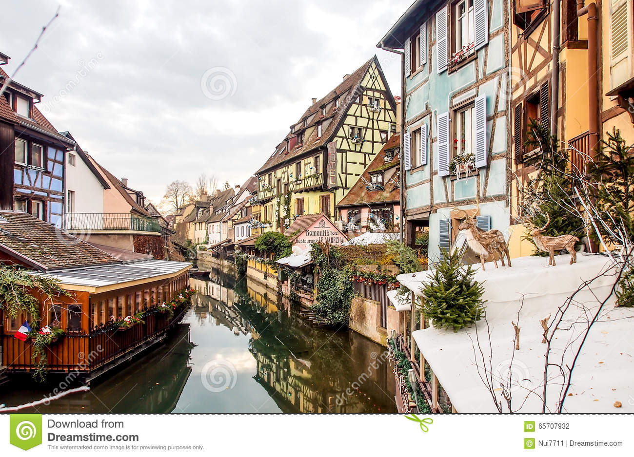 b timent color dans la vieille ville de colmar alsace france photographie ditorial image. Black Bedroom Furniture Sets. Home Design Ideas