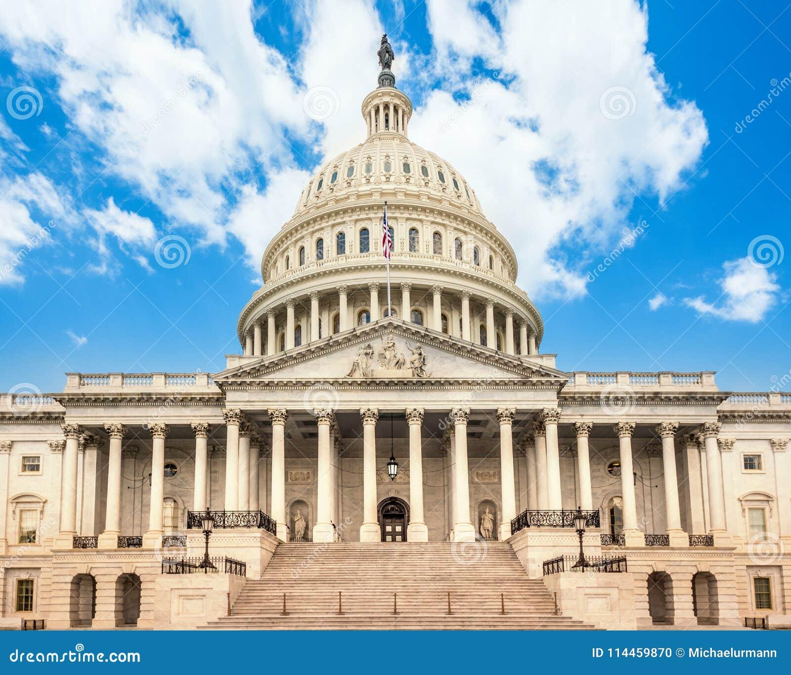 Bâtiment de capitol des Etats-Unis dans le Washington DC - façade est du point de repère célèbre des USA