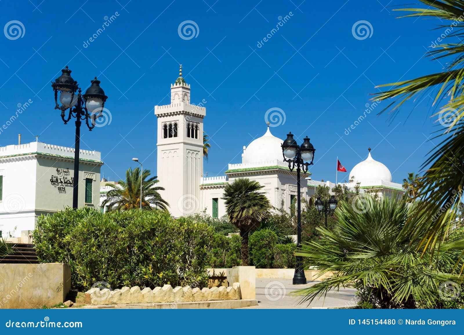 Bâtiment de gouvernement dans la place de Kasbah à Tunis, Tunisie