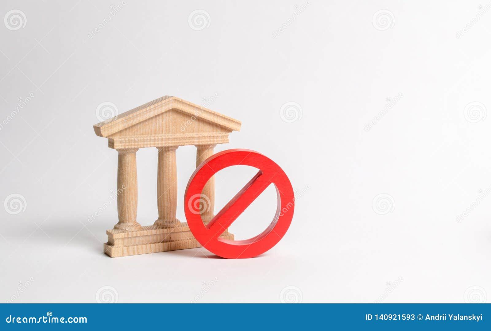 Bâtiment de gouvernement ou banque et symbole NON Le concept de l interdiction et des lois restrictives Interdictions et criminal