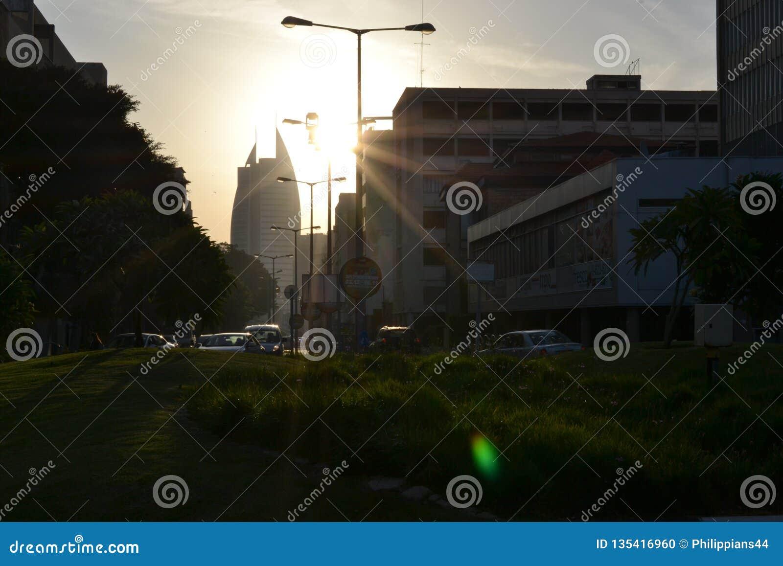 Bâtiment de gouvernement de secteur de voile, municipalité de la ville de Haïfa, le centre ville, au lever de soleil, matin, Isra