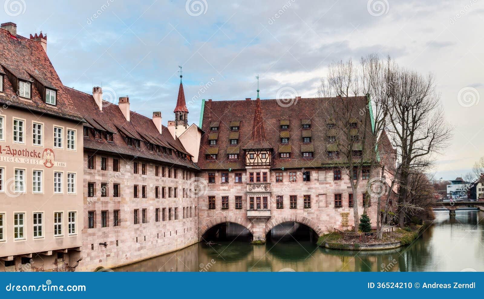 Bâtiment historique de l hôpital du Saint-Esprit à Nuremberg