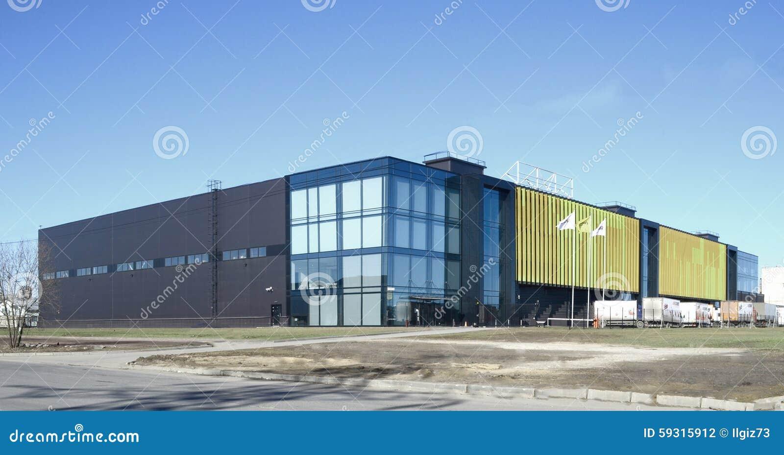 bâtiment industriel et moderne, photo stock - image du ciel, façade