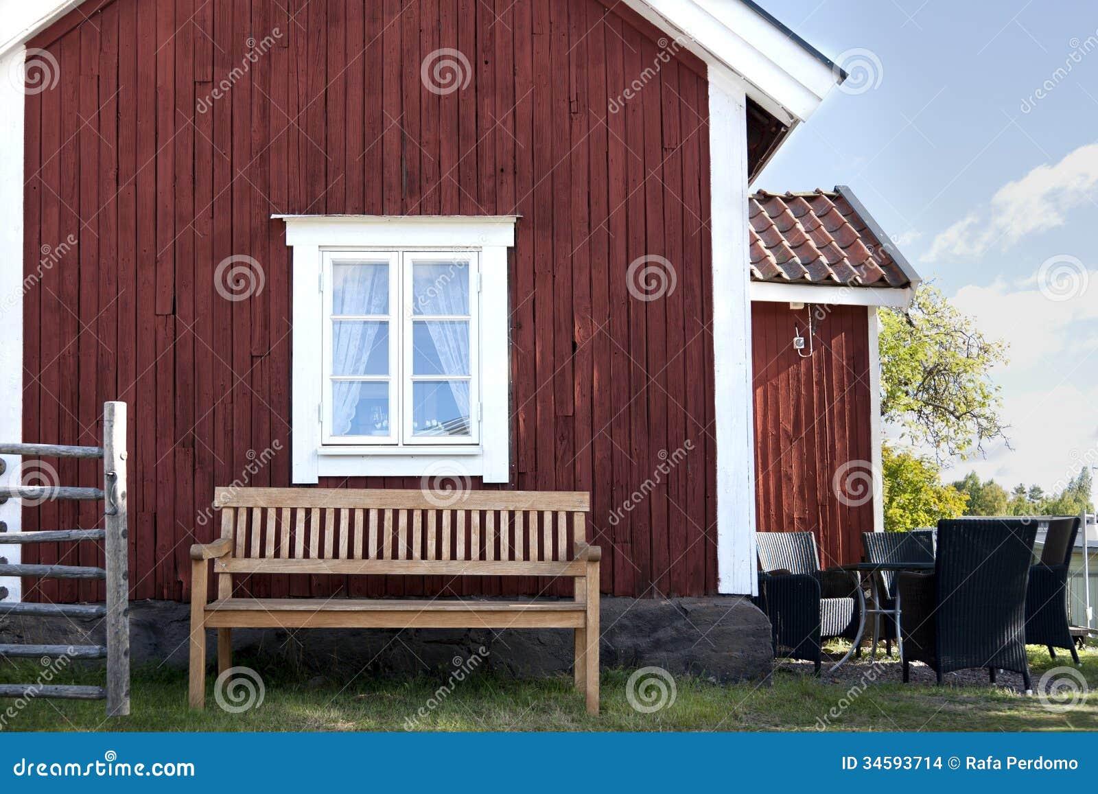 bänk utomhus ~ bänk utomhus arkivbilder  bild 34593714