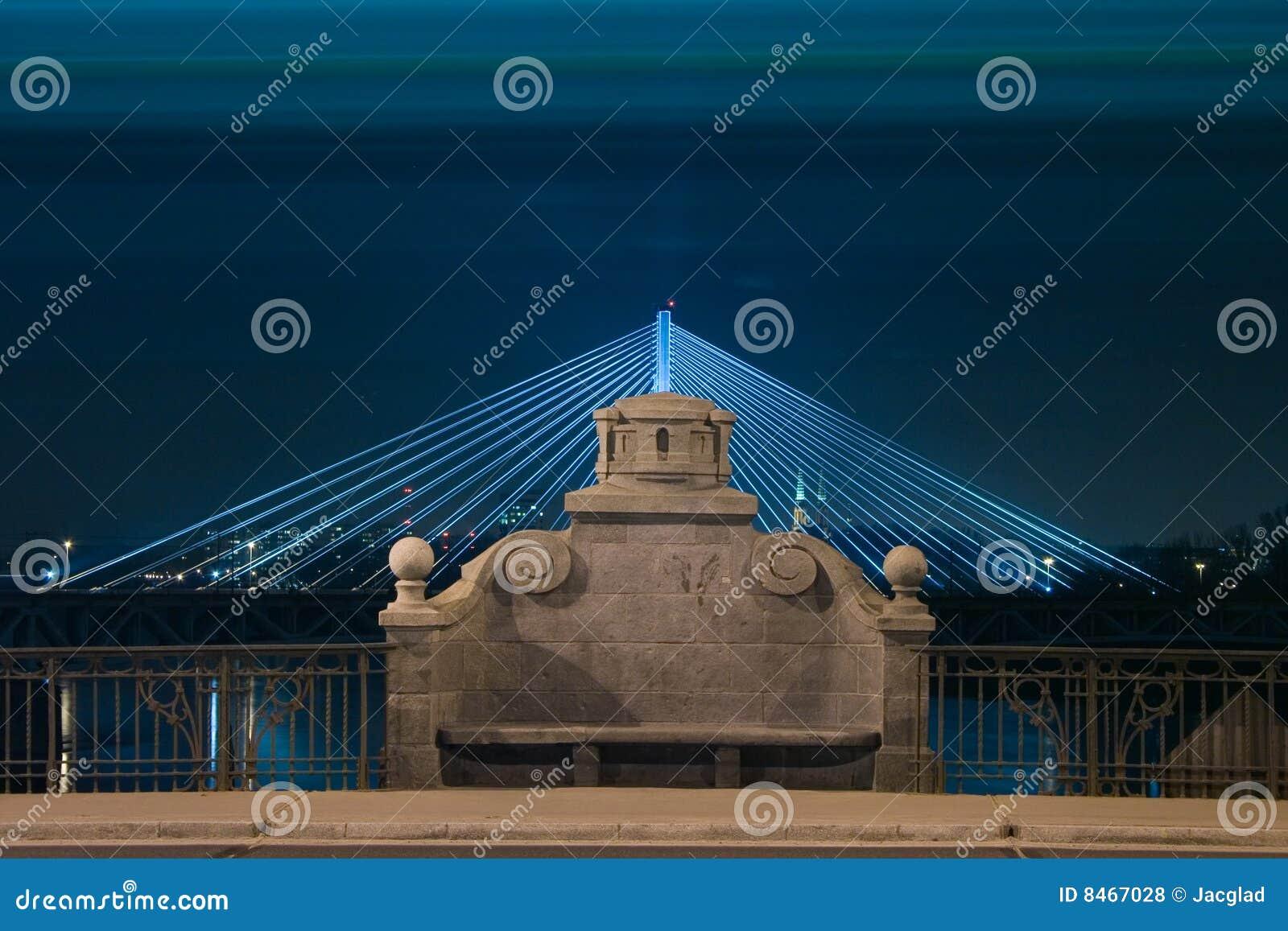 Bänkbron exponerade nattstenen