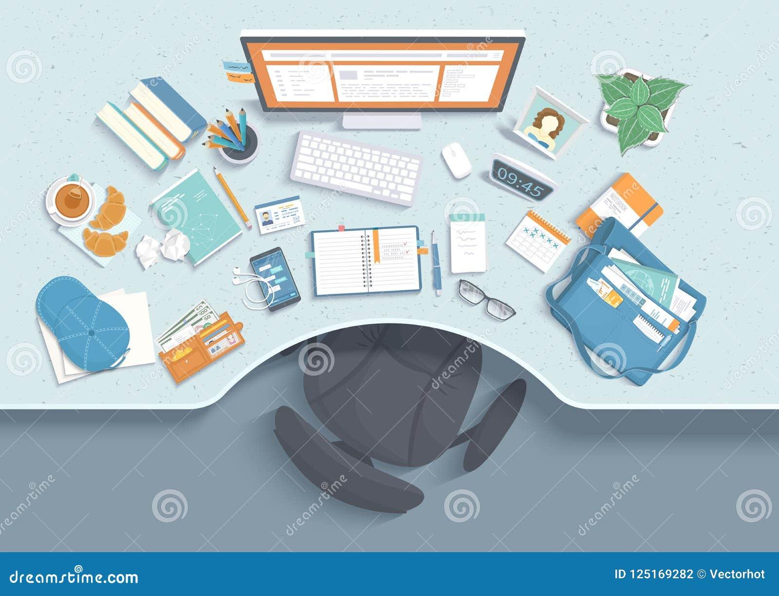 Bästa sikt av den moderna och stilfulla arbetsplatsen Tabell med fördjupningen, stol, bildskärm, böcker, anteckningsbok, hörlurar