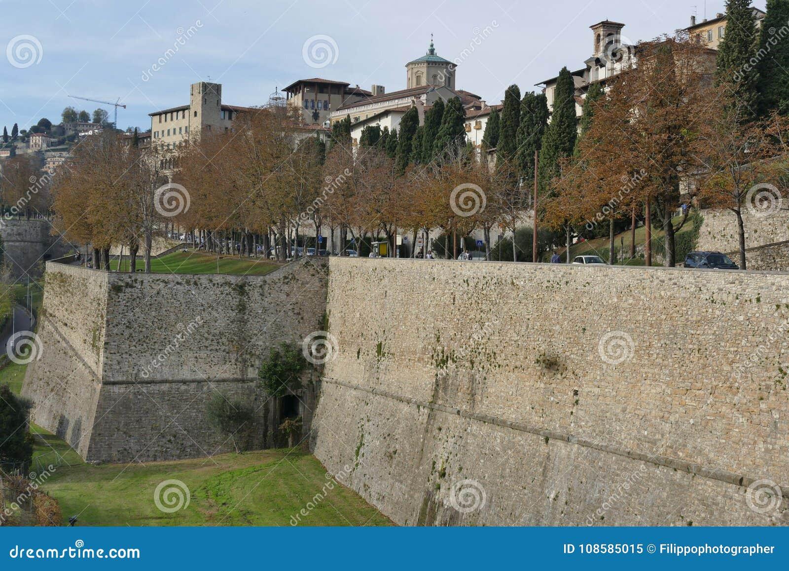 Bérgamo - paredes de la ciudad