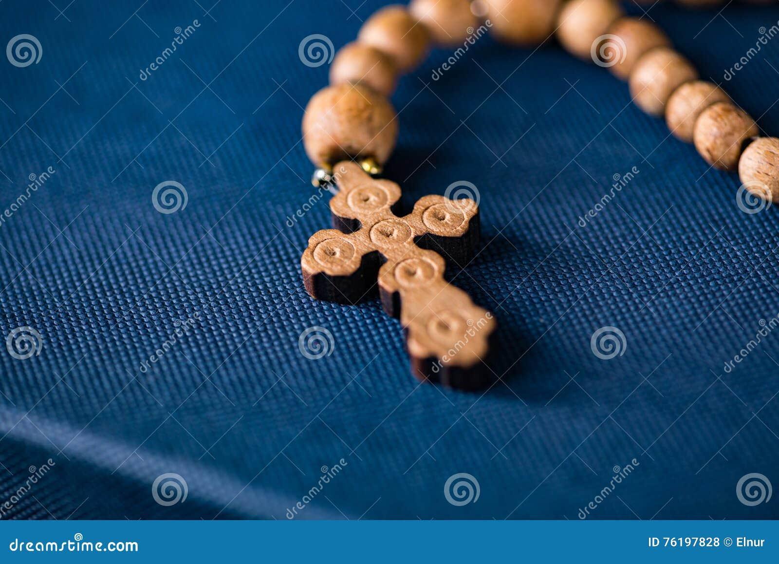 A Bíblia e a cruz no conceito religioso