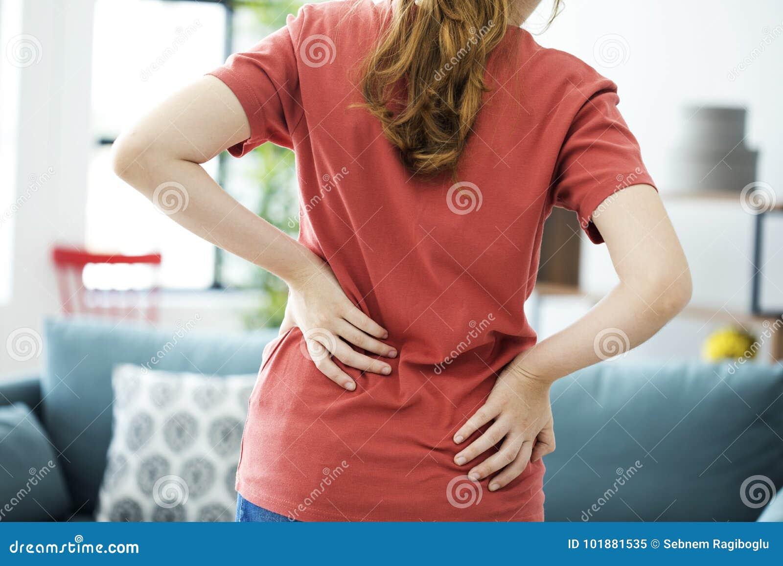 Ból pleców kobiety potomstwa