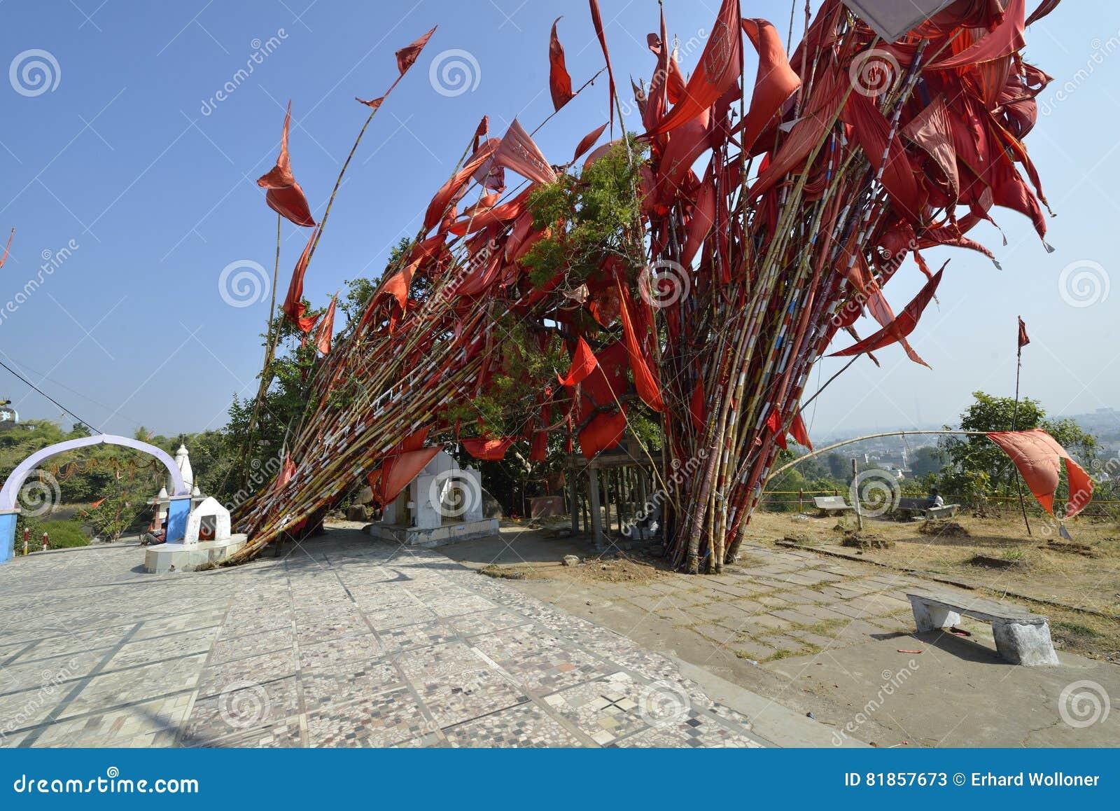 Bönflaggor i Jabalpur, Indien