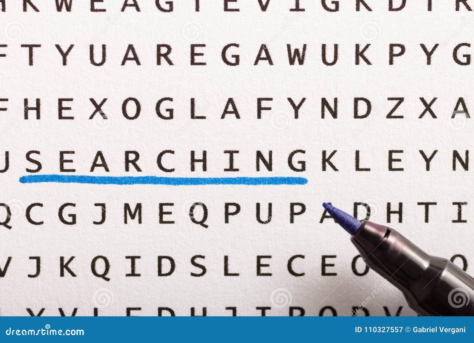 Búsqueda de la palabra, rompecabezas Concepto sobre el hallazgo, búsqueda, mirando f