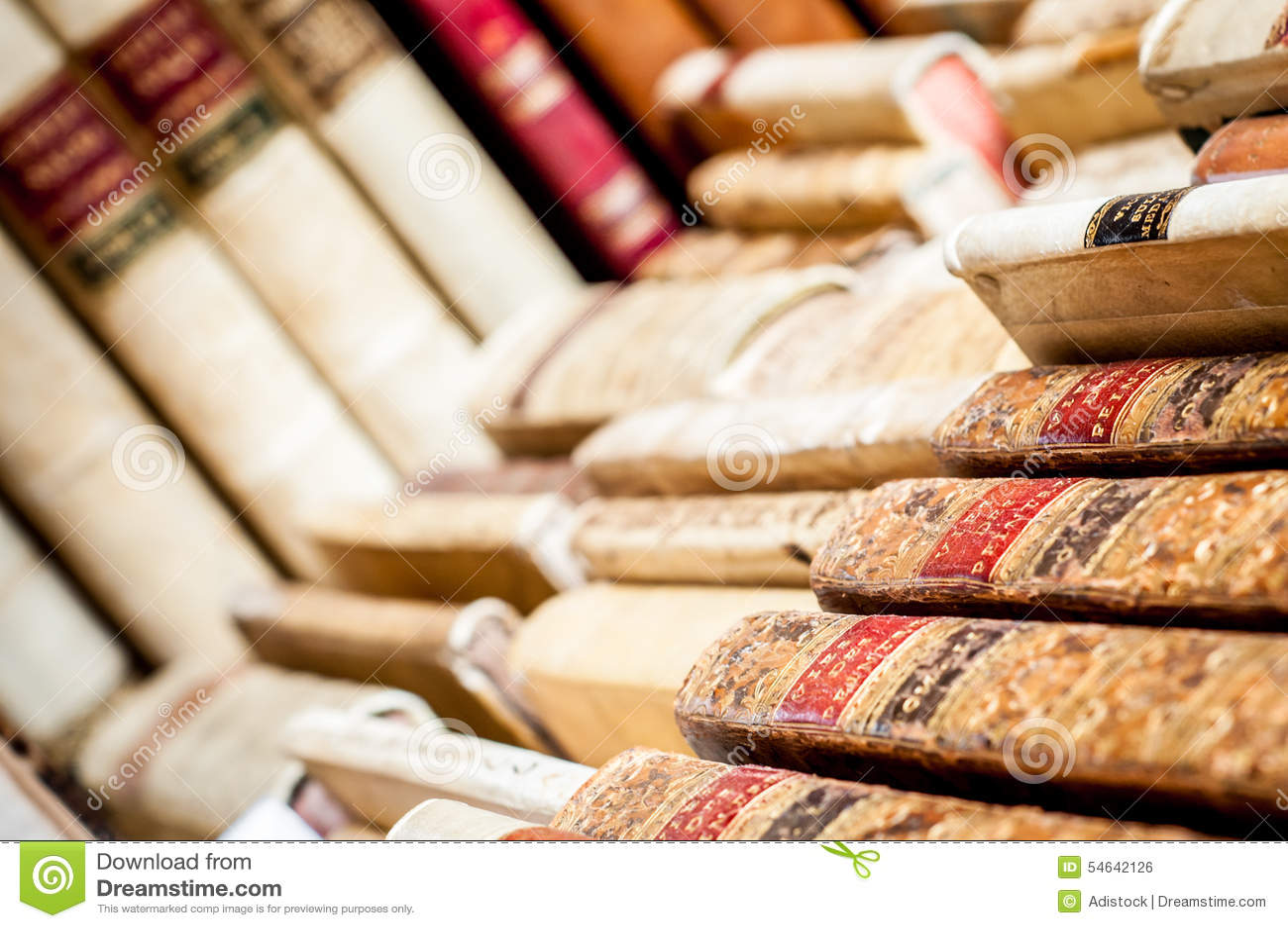 Bücher in einer Reihe