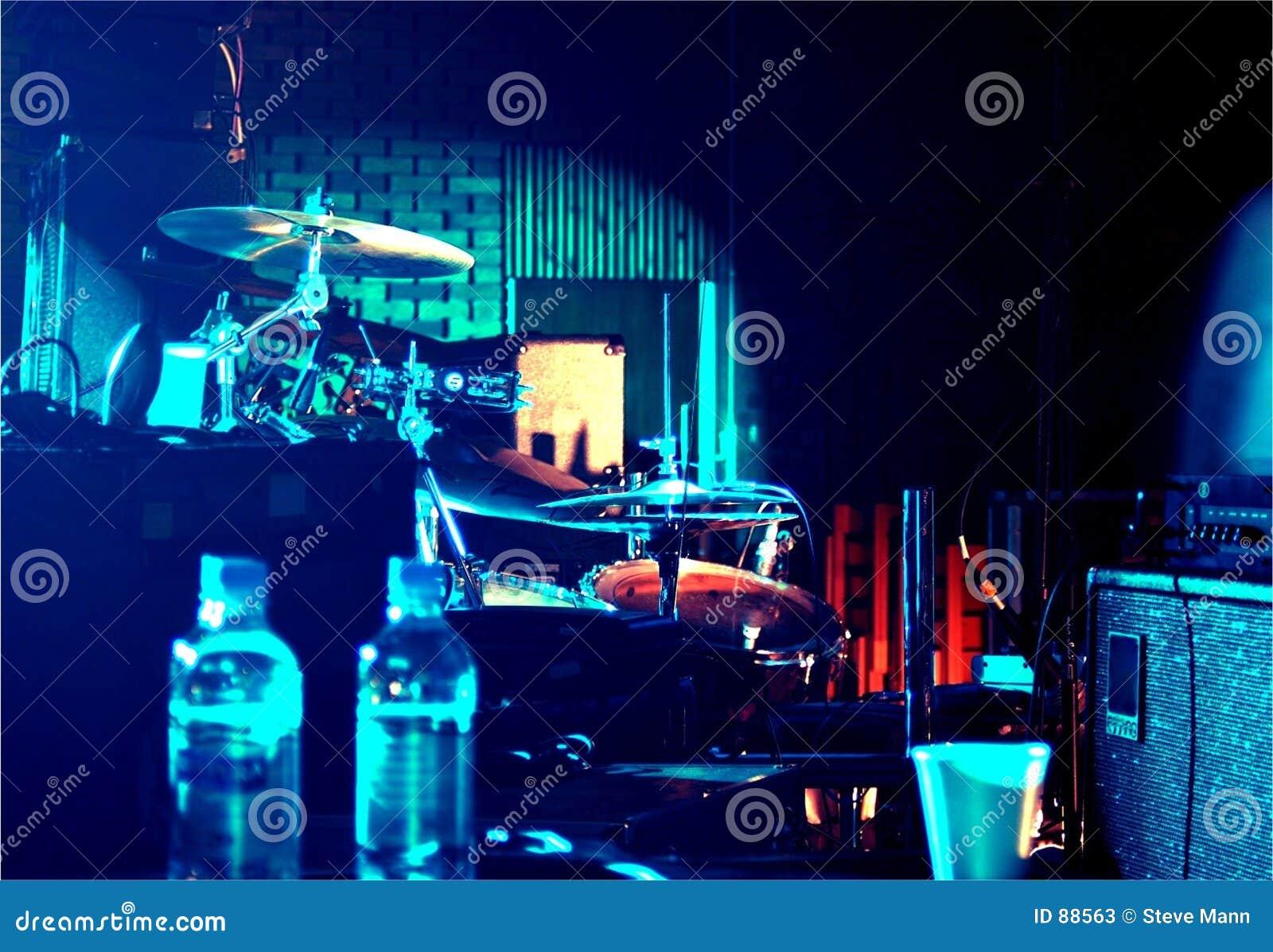 Bühne hinter dem Vorhang