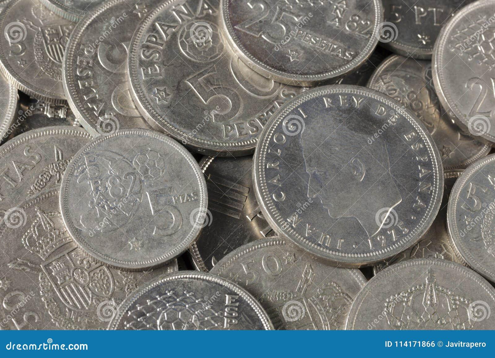 Bündel Pesetamünzen von Spanien