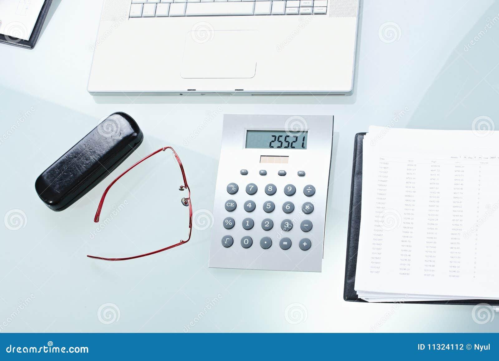 Büroschreibtisch