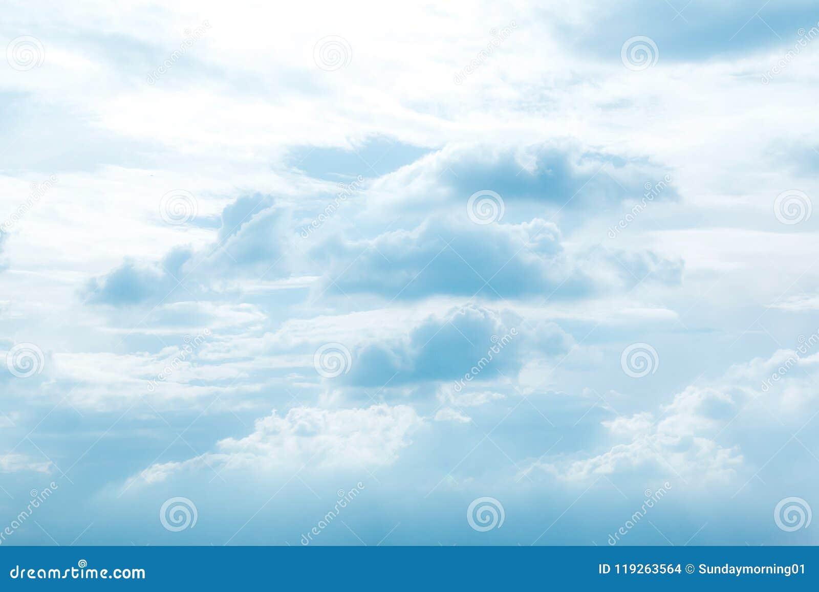 Błękit nieba chmury tła niebo, chmury Niebo z chmury weath