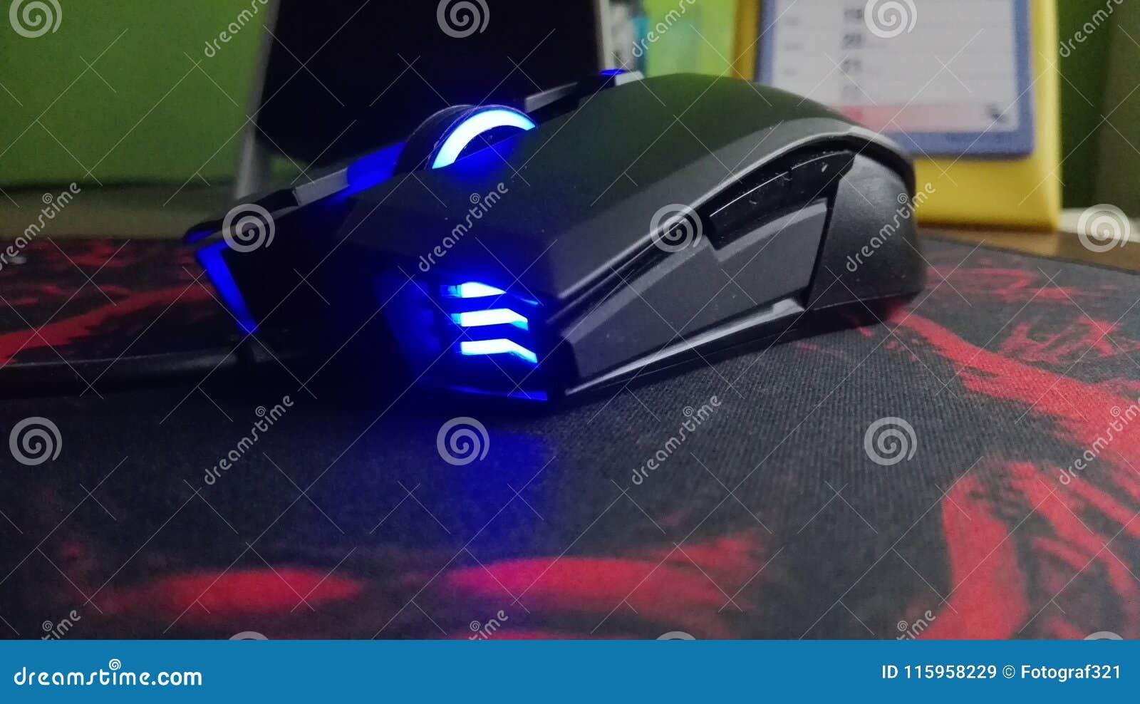 Błękit rozjaśniający w górę myszy