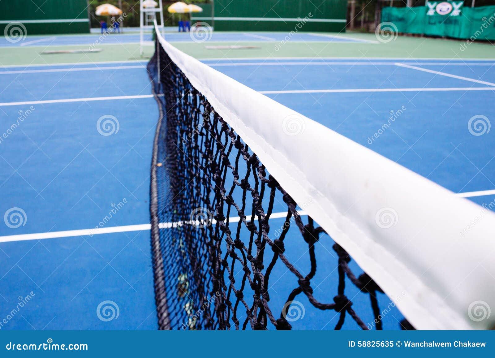 Błękitna i zielona tenisowego sądu powierzchnia, Tenisowa piłka na polu