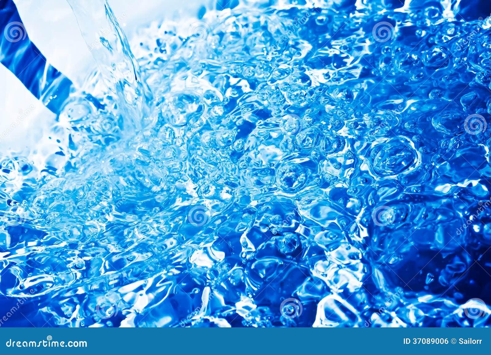 Download Błękitne wody zdjęcie stock. Obraz złożonej z tło, bąbel - 37089006