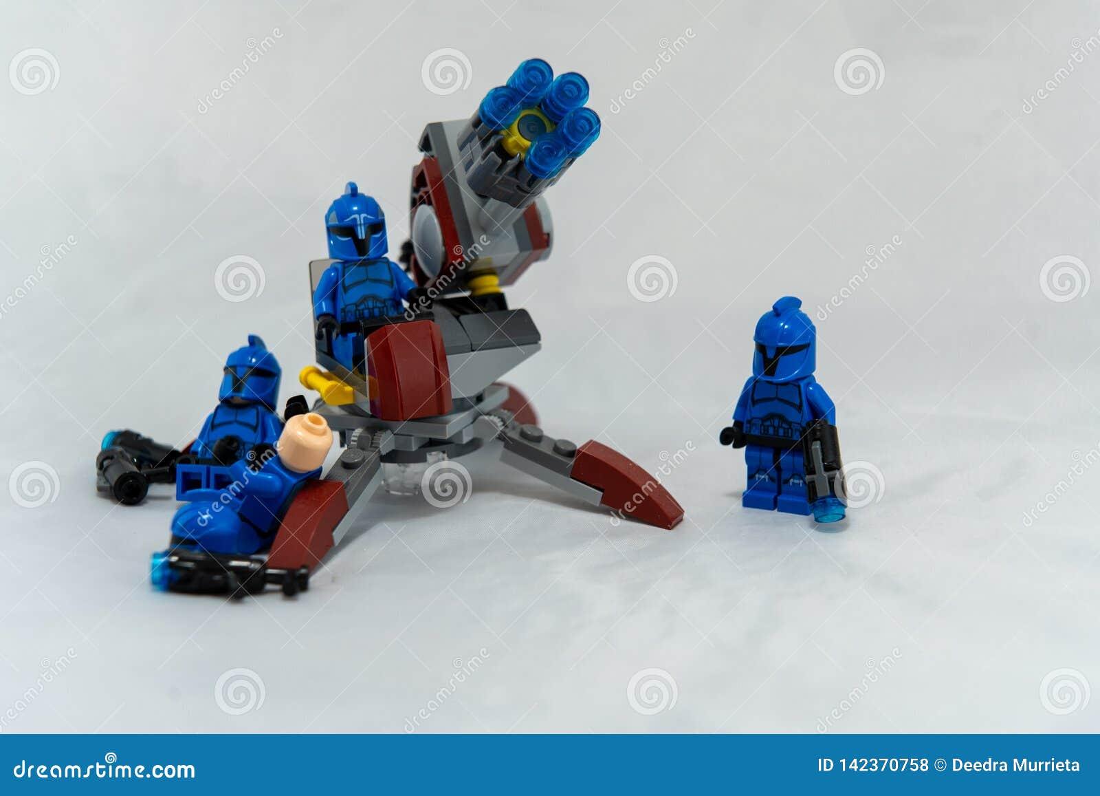 Błękitni burza kawalerzyści wyrzutnią