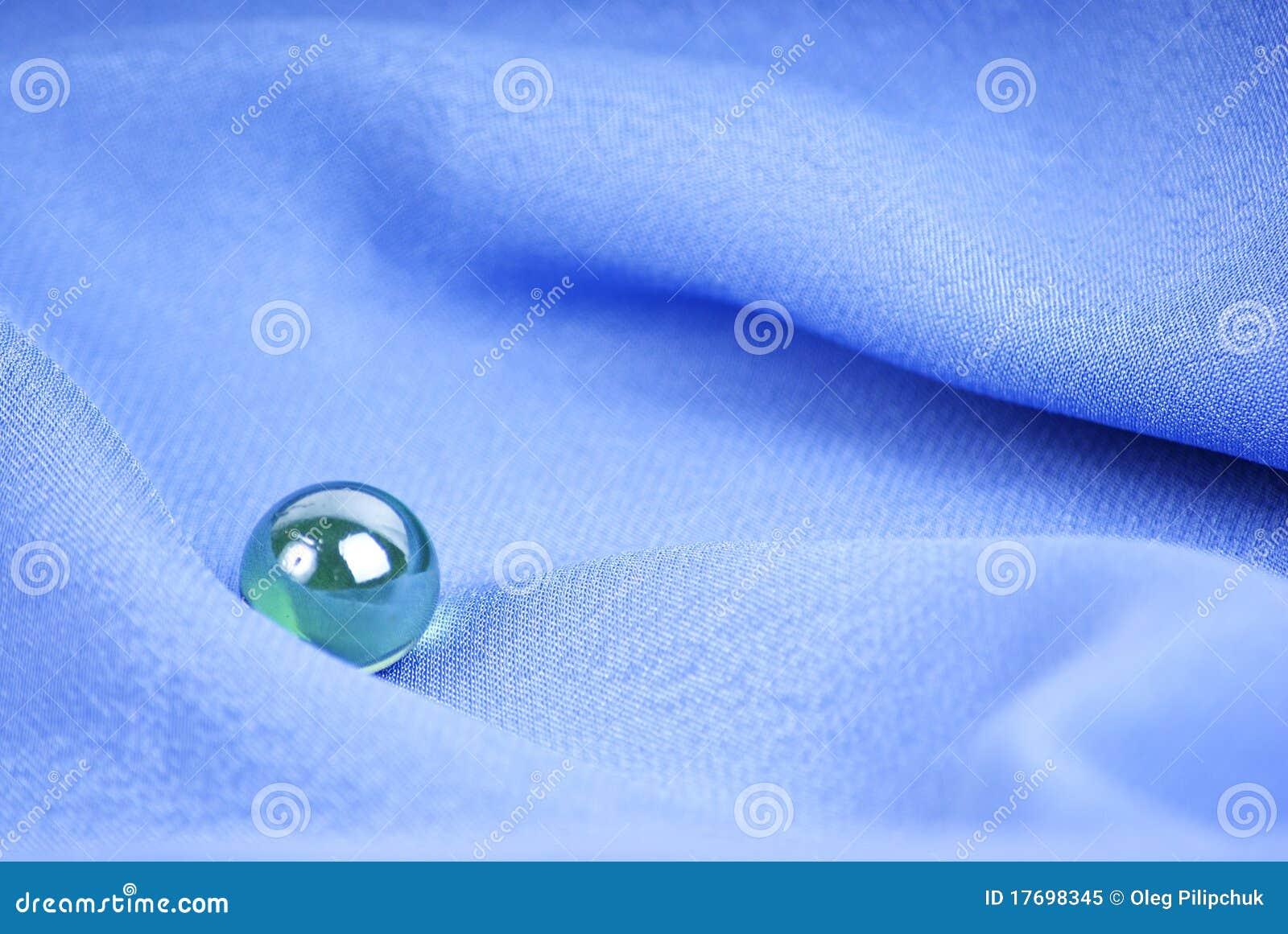 Błękitny jedwabnicza tkanina