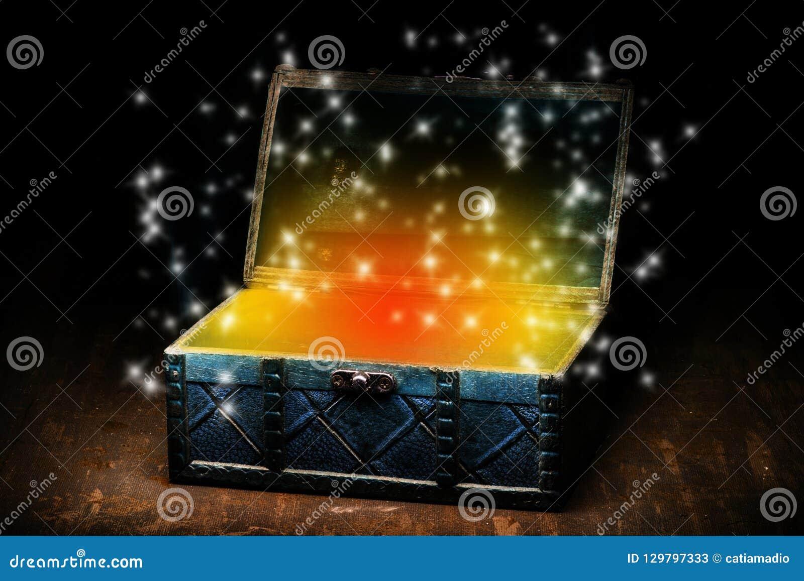 Błękitny kaseton z pomarańczowymi migotu i lśnienia światłami