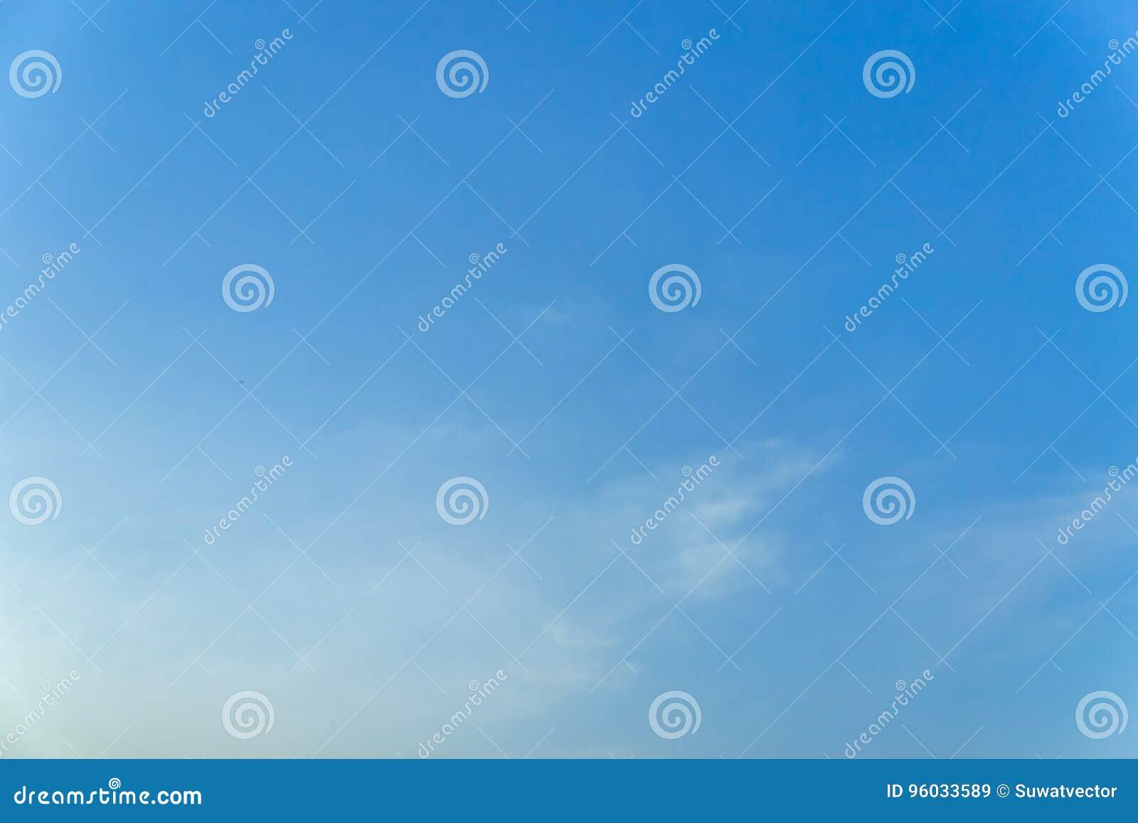 Błękitny tło w powietrzu