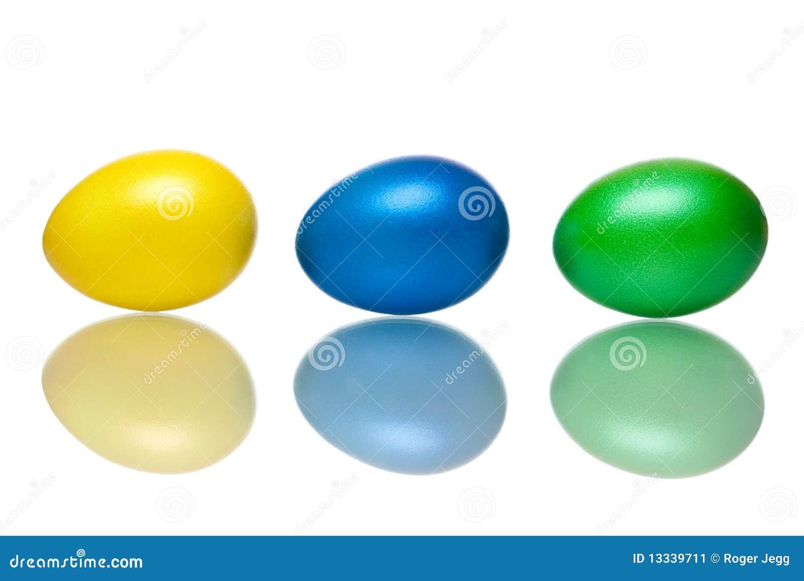 Błękitny zbliżenia Easter jajek zielony kolor żółty