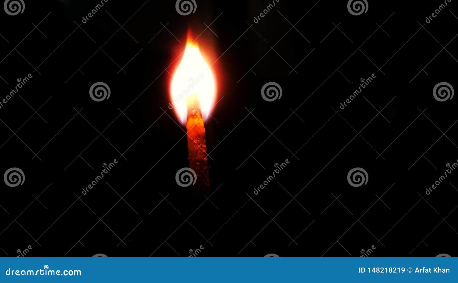Błyskawicowy matchstick w zmroku