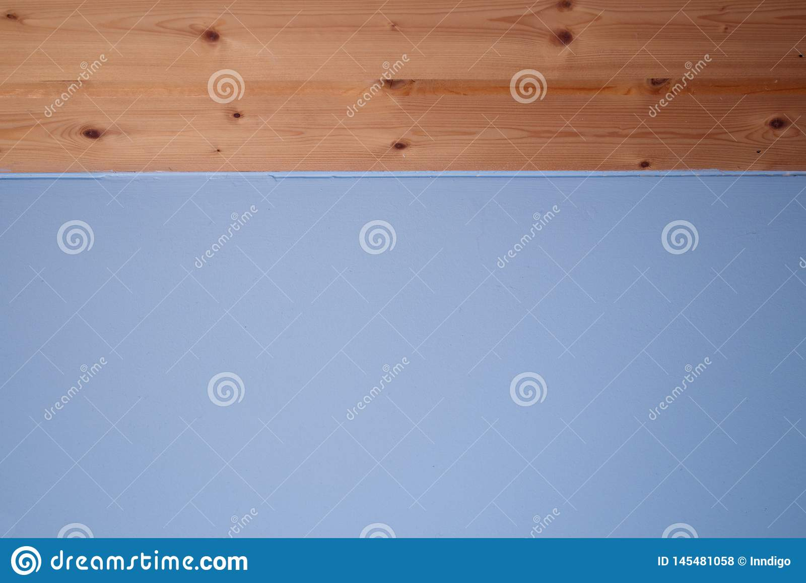 B??kitny t?o z drewnianymi deskami Odbitkowa astronautycznego projekta tapeta