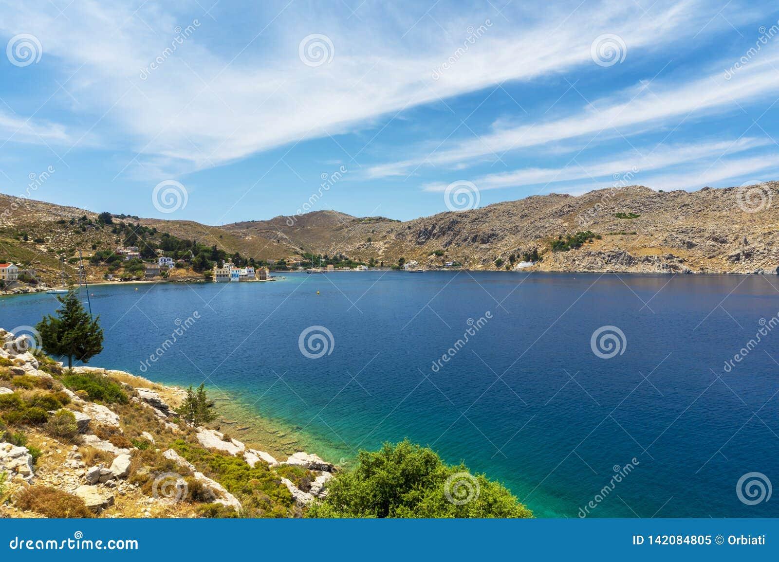 Baía mágica na ilha de Symi