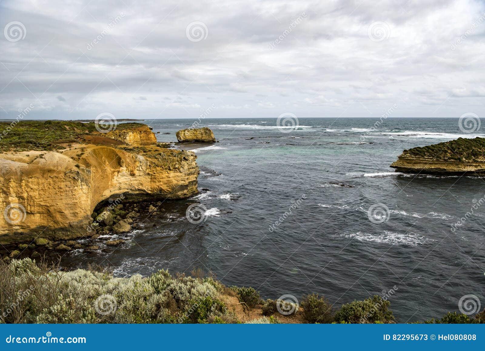 Baía na grande estrada do oceano, Austrália