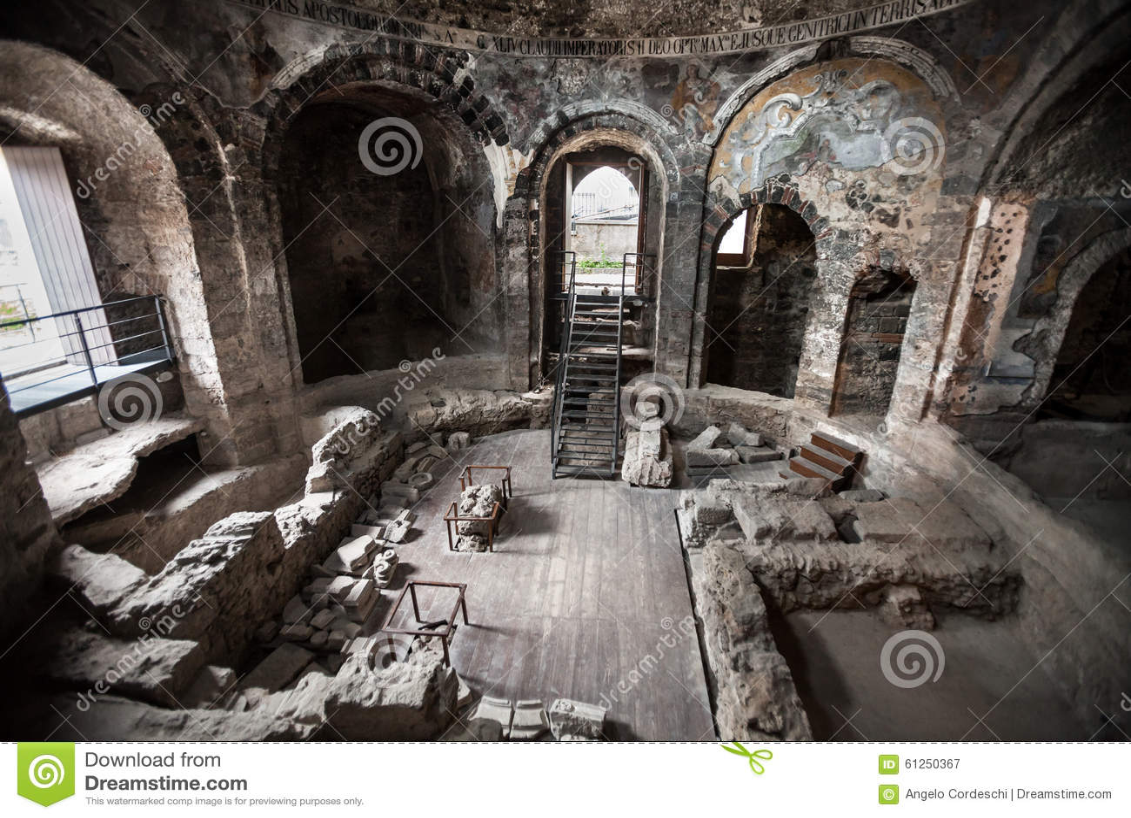 Baños Romanos Antiguos Catania, Sicilia Italia Imagen de ...