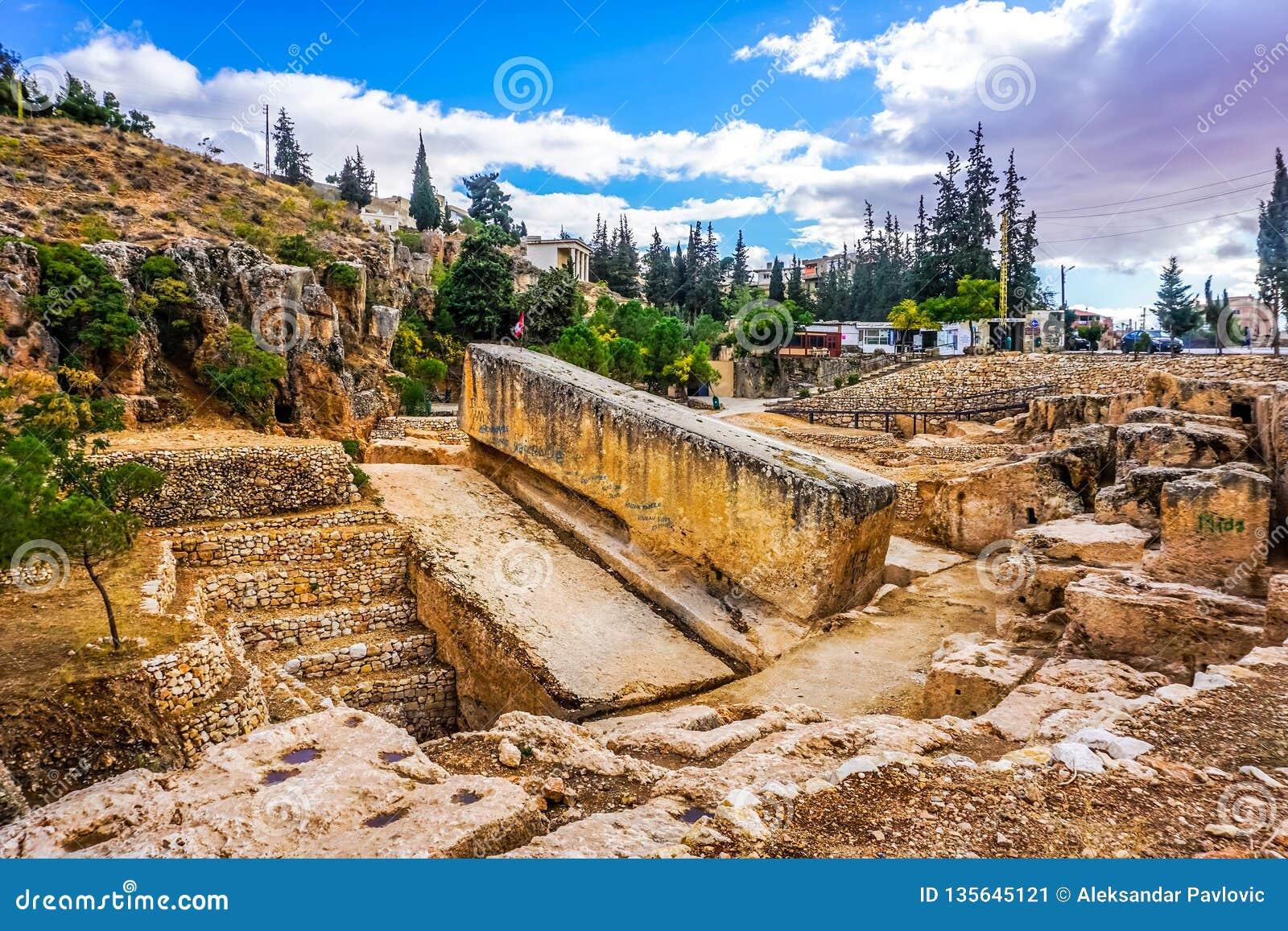 Baalbek Roman Monolith 01