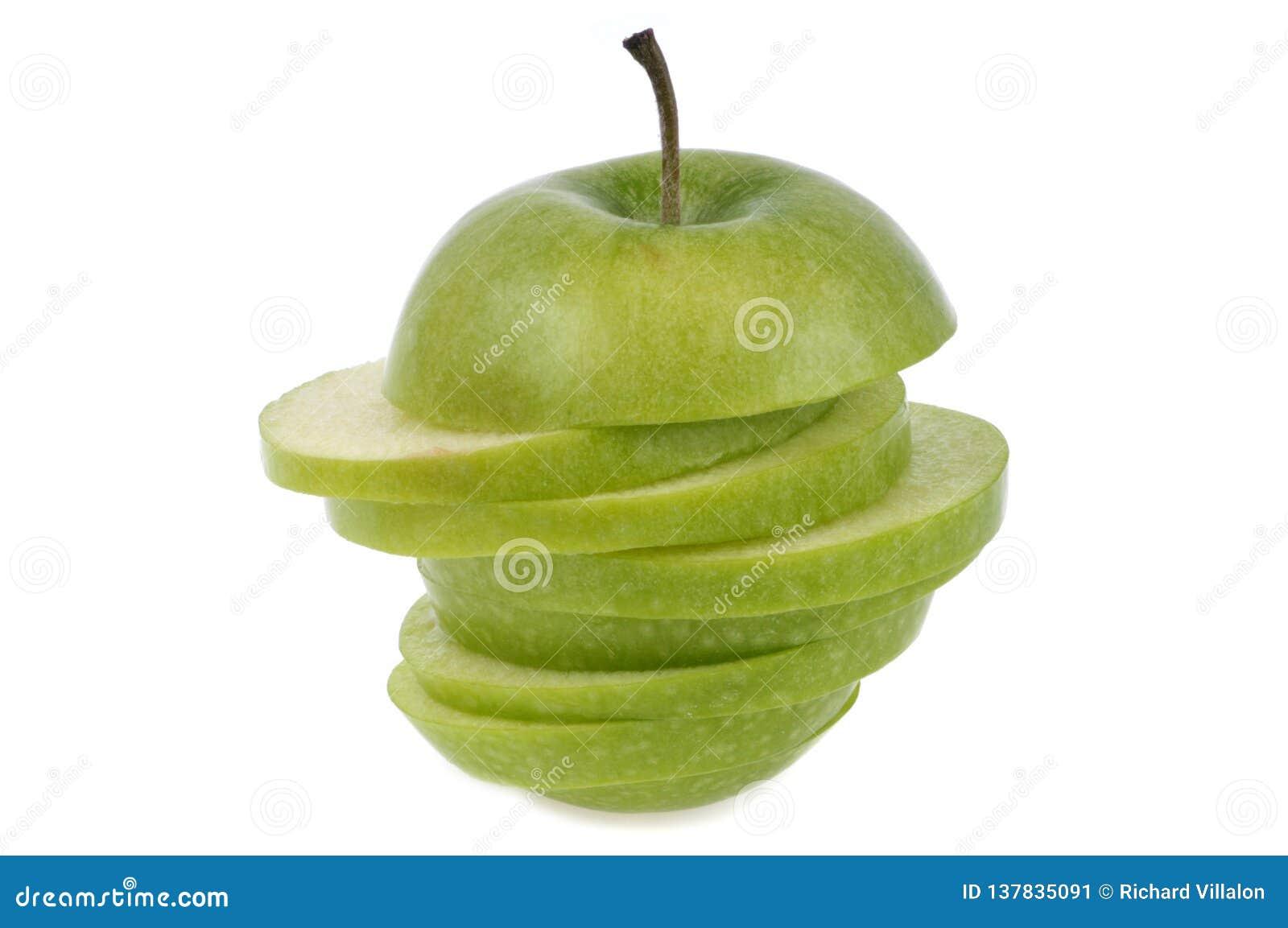 Babcia kowala jabłka cięcie w plasterek