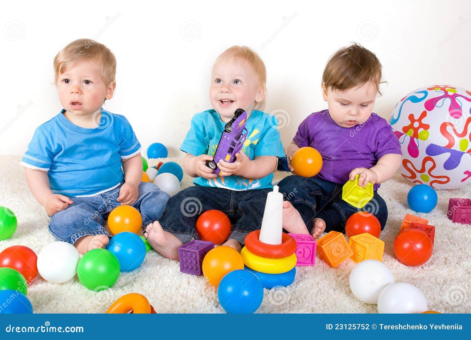 Дети с игрушками. Общий фотоальбом 43