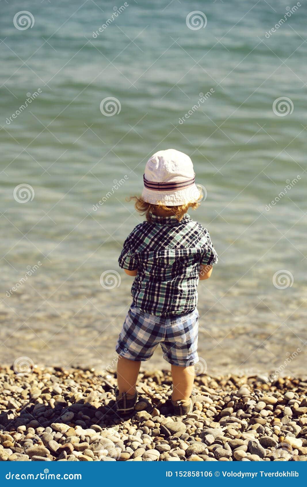 Baby auf Pebble Beach