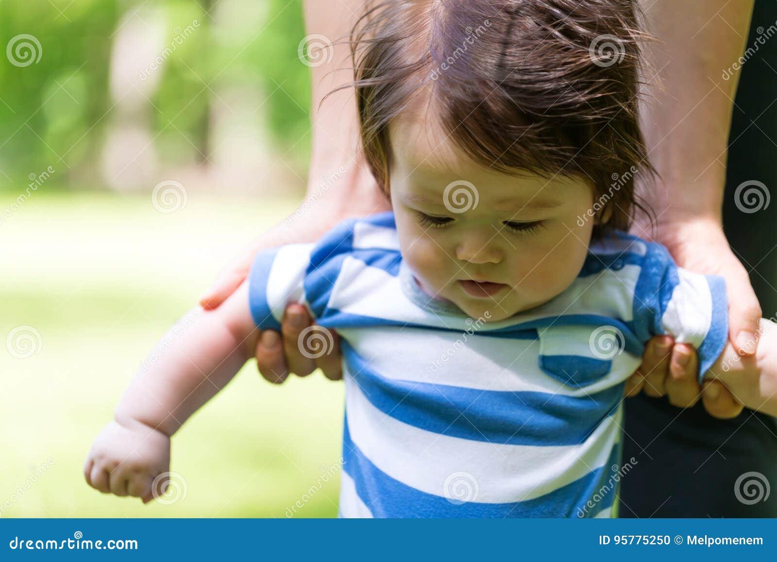 how to help baby walk